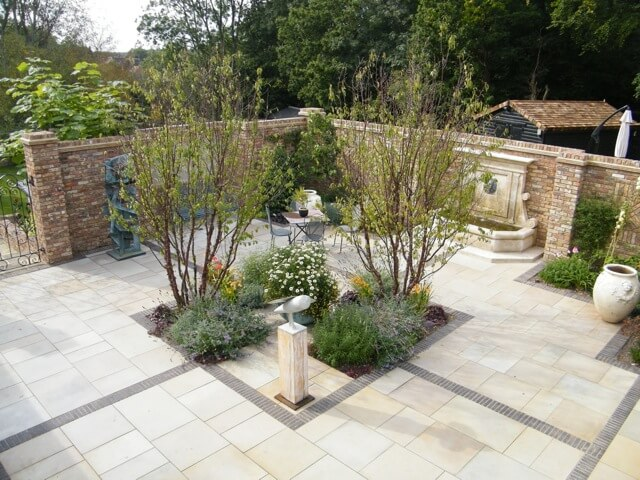 J & S Scapes Win A National Lanscaping Award
