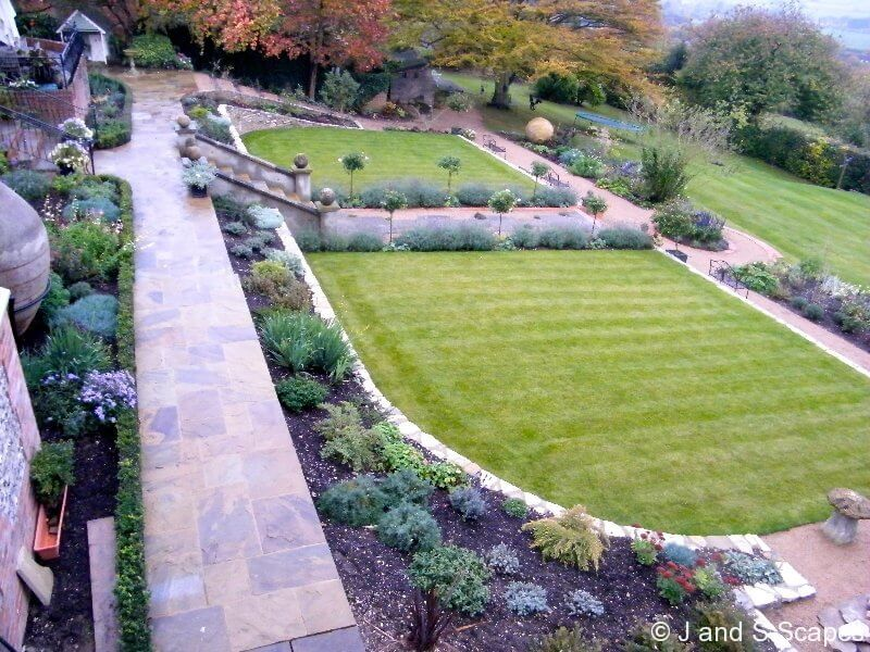 2011 BALI award for domestic garden construction £50-100k