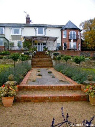 1-yorkstone-with-breedon-gravel-j-and-s-scapes