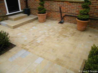 8-sawn-yorkstone-sets-and-linear-paving-j-and-s-scapes