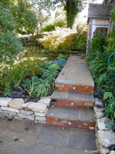8-steps-and-yorkstone-pathway-with-lights-j-and-s-scapes