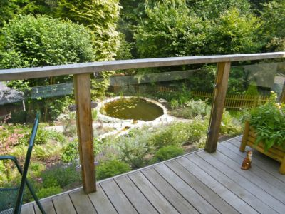 j-s-scapes-hardwood-decking-with-oak-and-glass-ballustrade