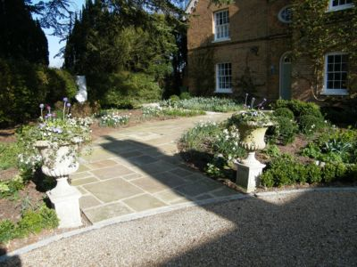 j-s-scapes-yorkstone-front-pathway